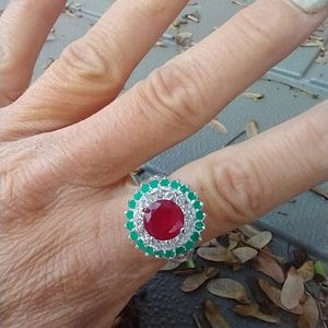 Women's marked 925 red and green stone ring